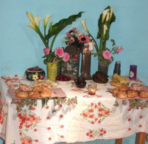 Children's Altar - Day of the Dead  ©John Lamkin